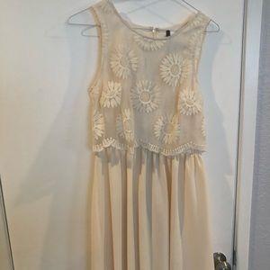Kensie off white dress